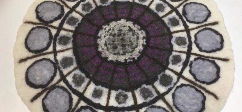 mandala istuinalunen lila valkoinen