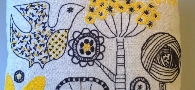 Salainen puutarha -malli tyyny 1