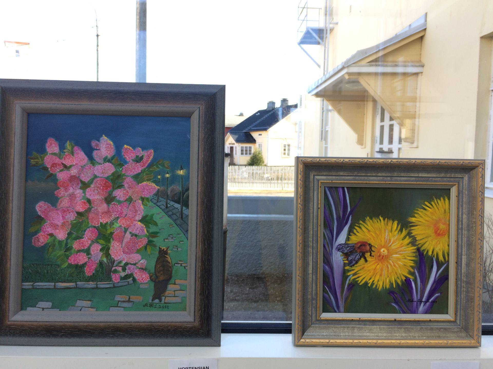 Kukkamaalauksia