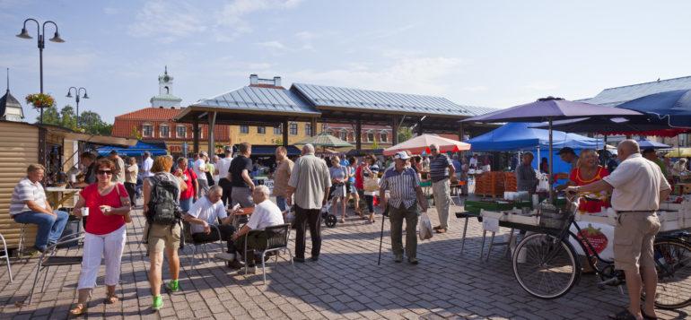 Vanha Rauma, Kauppatori, keskusta, kesä, taivas