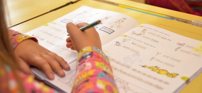 koulu, kasvatus- ja opetustoimi, luokka, oppilas