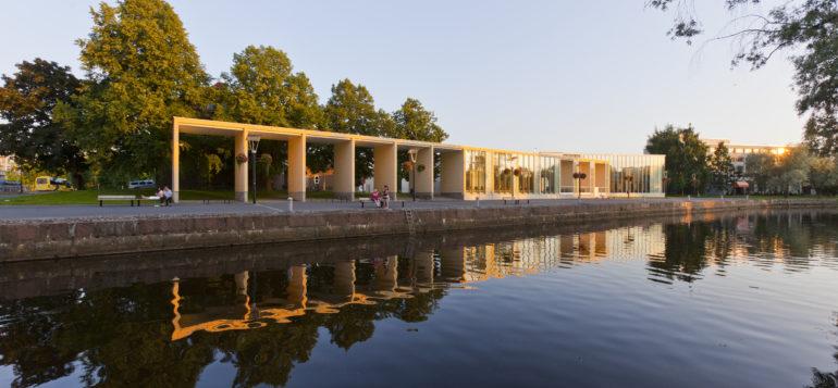 Rauman kaupunginkirjasto, Rauman Kanali, koulutus, kulttuuri, kesä, ilta