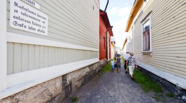 Vanha Rauma, Kitukränn, Suomen kapein tie, kesä