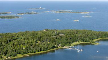 Kuuskajaskari ja Kylmäpihlaja, Rauman saaristo, ilmakuva.