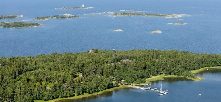 Kuuskajaskari ja Kylmäpihlaja, Rauman saaristo, ilmakuva