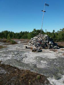 Kiviröykkiö Ryssänkalliolla korkeimmalla kohdalla.