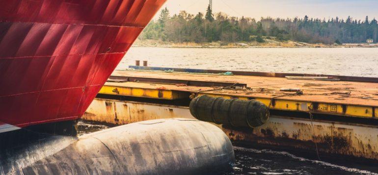 Laiva Rauman satamassa