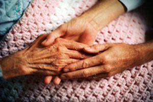 Vanhuspalvelut, käsi kädessä sisällä