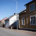 Erilaisia rakennuksia Nummella.