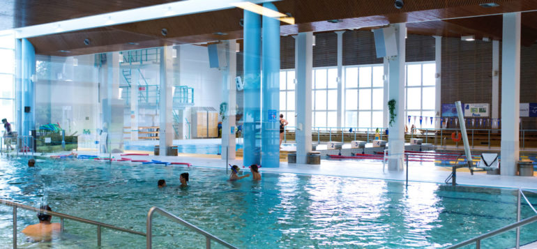 uimahalli sisältä