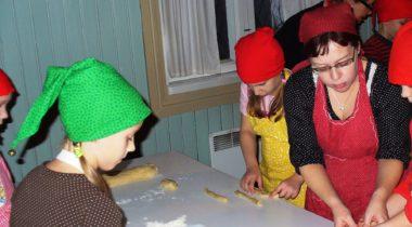 Pullien leivontaa Marelan pakarituvassa