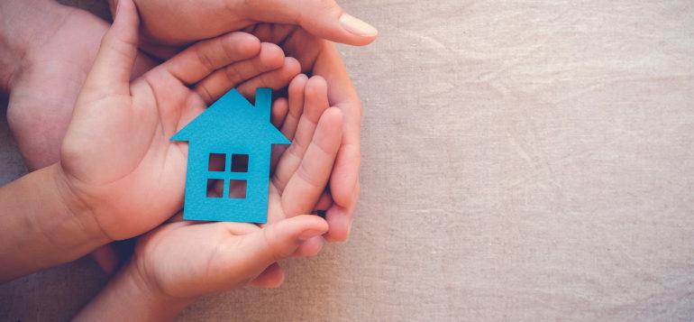 kädet_perhe_koti
