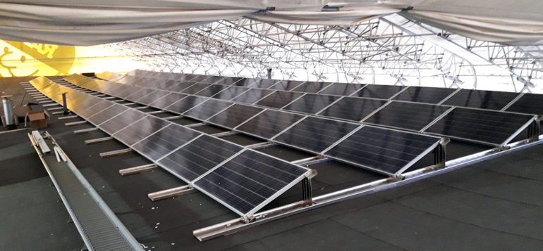 Papinpellon päiväkoti aurinkopaneelit katolla
