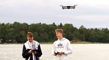 DronePojat Juho Vilo ja Arno Suomi