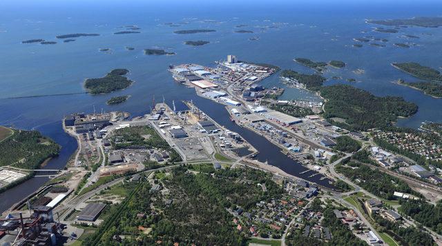Rauman sataman aluetta kuvattuna ilmasta.
