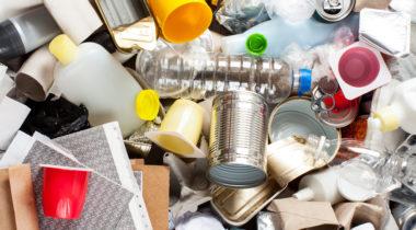 Kuvituskuva: Erilaisia jätteitä