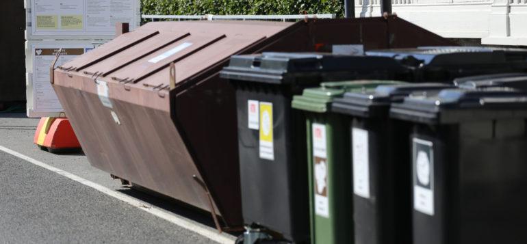 Kuva: jäteastioita
