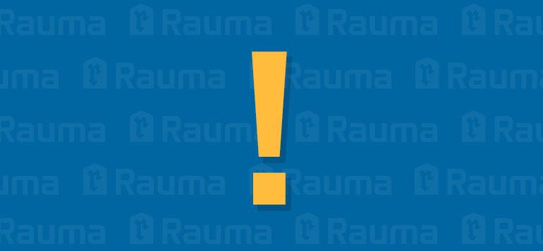 Keltainen huutomerkki sinisellä Rauma-tunnustaustalla.