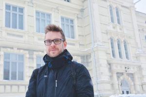 Lumen-valotaideviikon tekninen tuottaja Mikko Kiviharju