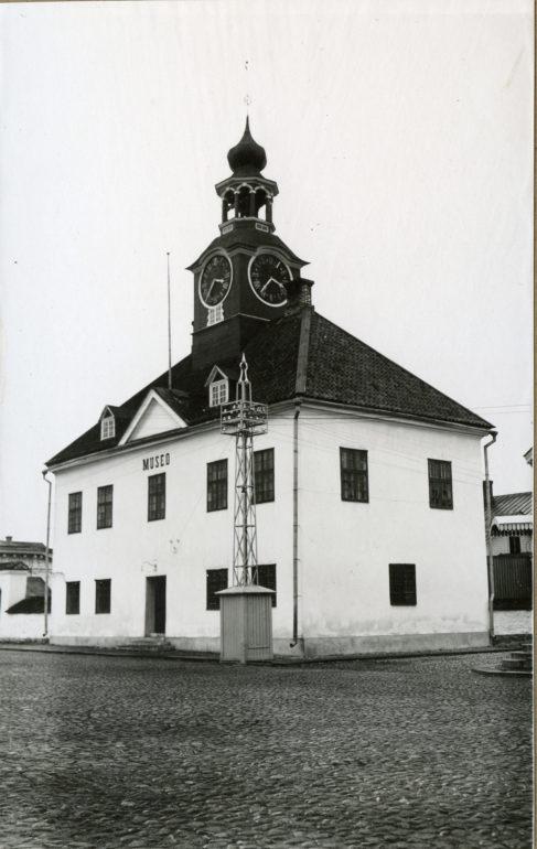 Raatihuone 1900-luvun alussa